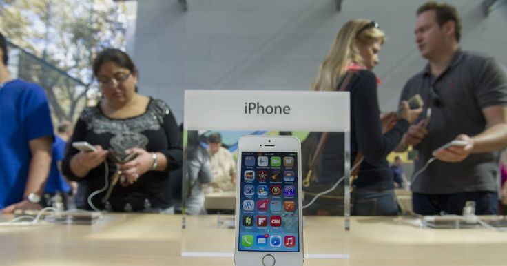 Apple said to unveil smaller iPhone, iPad models on March 21st http://www.engadget.com/2016/02/28/apple-iphone-se-event-march-21-leak/