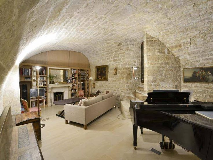 Luxury Trends: In home music studio.  Over the years this home has proudly hosted and entertained some of the finest dignitaries and scholars in the world.
