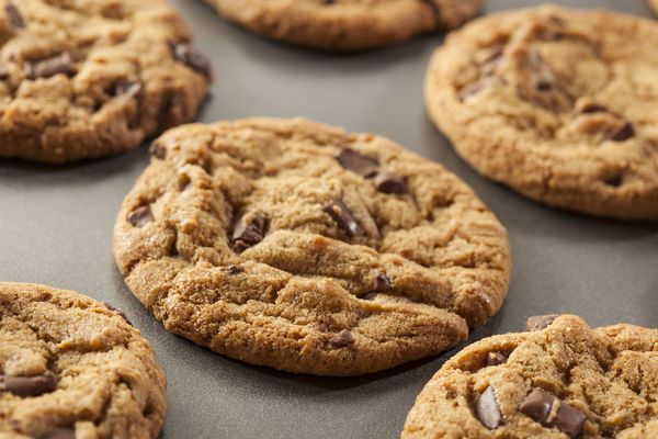 Gluten-Free Recipe: Chocolate Chip Cookies   WOW, for all you gluten free people with a sweet tooth.