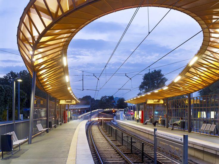 Estação de Trem Zoo/Flora  / RÜBSAMEN+PARTNER