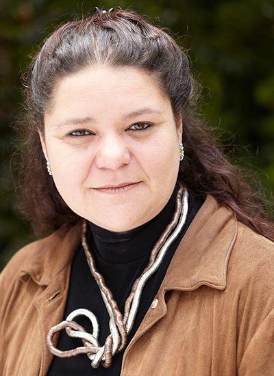 Natalia Vila. Esta chef ibaguereña, graduada de La Salle College de Bogotá, la Escuela Profesional de Gastromía Ecole Lenôtre y de Le Cordon Bleu en París, es además, miembro de la Academia Colombiana de Historia y consejera gastronómica de la Chaîne des Rotisseurs para Bogotá.