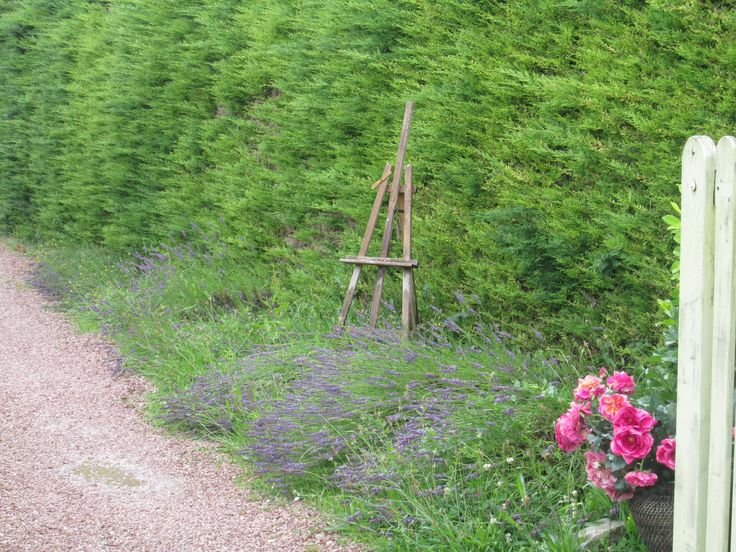 An easel in lavender close to Monet's Garden.