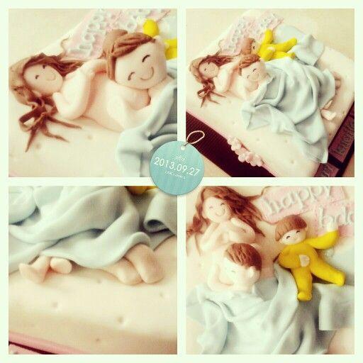 Sexy pregnant mom cakes