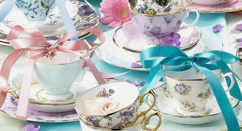 Lovely image: Royals Albert, Teas Time, Shower Gifts, Royals Doulton, Afternoon Teas, Teas Sets, Teas Cups Saucer, China Teas Cups, Teas Parties