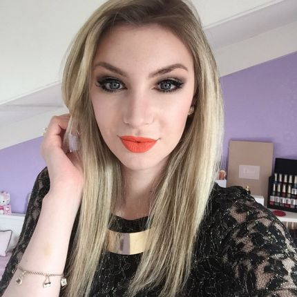 Vita da YouTuber: intervista a KissAndMakeup01, beauty guru e star del web
