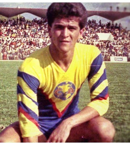 """""""CARLOS HERMOSILLO"""" - Club América #27"""