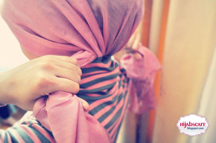 Las musulmanas americanas hoy en día están redescubriendo el Islam puro, revelado por Allah [Dios] al Profeta Muhammad (La paz y las bendiciones sean sobre él), hace más de 1400 años, pero sin ninguna contradicciones de la cultura ancestral.  Consecuentemente están comprometidas en el largo ejercicio de redescubrirse a ellas mismas, qué es lo que significa ser un humano, ser un musulmán, pero sobretodo que es lo que significa ser una mujer musulmana.