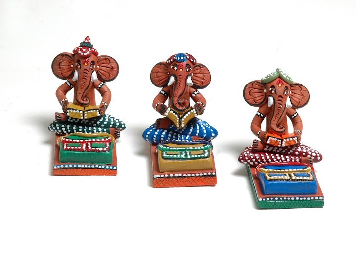 ArteeCraftee.com : Welcome To World Of HandiCrafts. Get Wide Range Of HandiCraft Products From ArteeCraftee.com Or Follow Us On Facebook.com/arteecraftee Or Twitter.com/arteecraftee . A Little Bit Of Artee !! A Little Bit Of Craftee !!