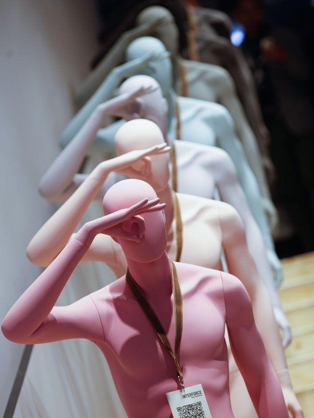 Maniquíes de diseño - Euroshop 2014 www.mannequinmadness.com