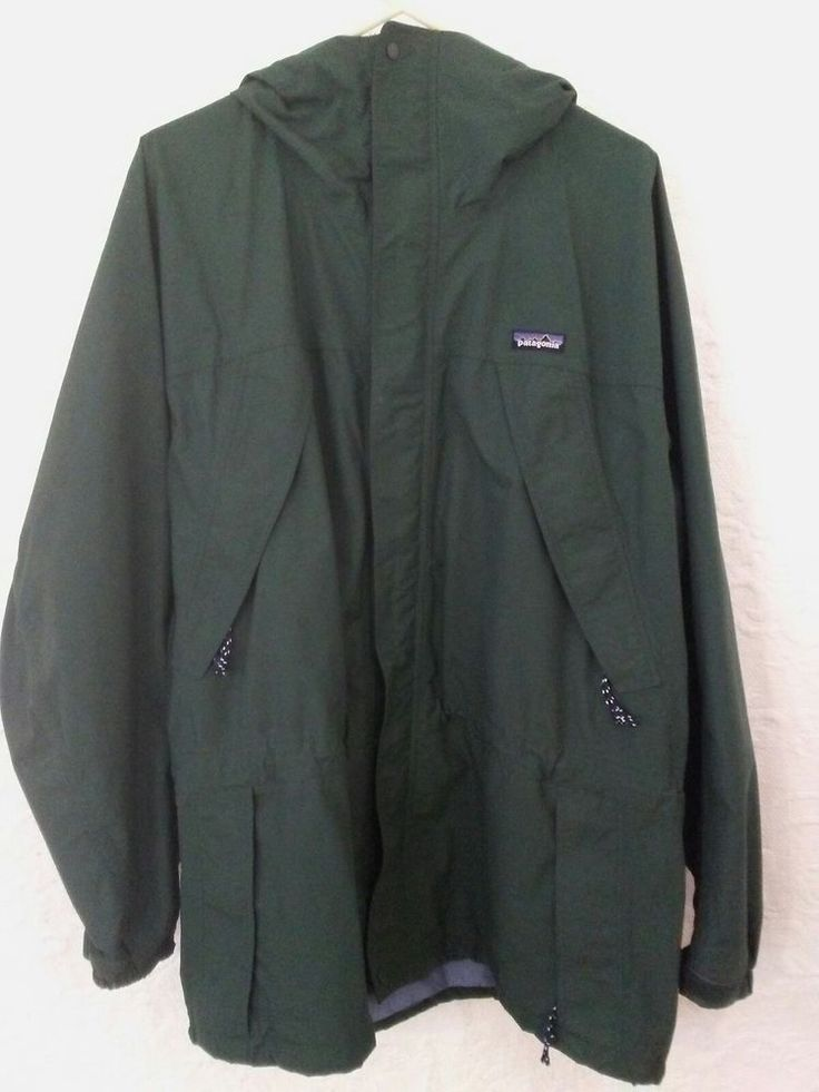 PATAGONIA Men's Jacket Size Lg. Waterproof Coat Hooded Parka Nylon Style # 83602 #Patagonia #Parka