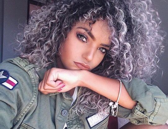Gray Natural Hair Styles: 25+ Best Ideas About Curly Highlights On Pinterest