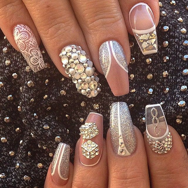 O k this has to be one of the best nail design ever! So creative! Great for wedding too!
