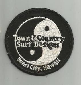 RARE VINTAGE T&C TOWN COUNTRY SURF DESIGN SKATEBOARD PEARL CITY HAWAII HI PATCH