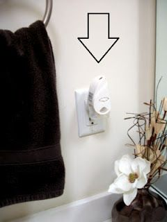 I will be doing this tomorrow!!!   DIY Glade Plug in Refill
