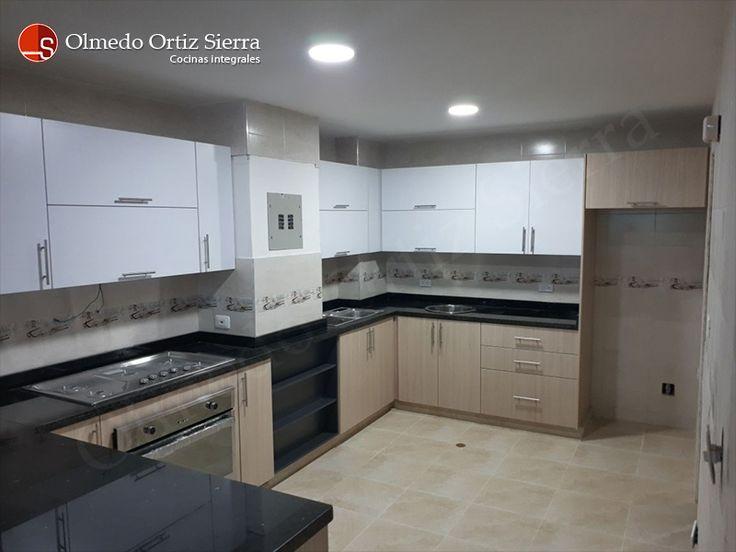 Cocina Integral Moderna Para Espacios Grandes. Cali - Colombia
