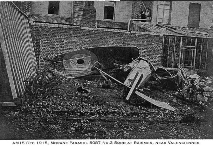 Morane Parasol 5087 Escadron 3, abattu à Raismes, près de Valenciennes, Décembre 1915. Morane Parasol 5087 No 3 Squadron, shot down at Raismes, near Valenciennes, December 1915.