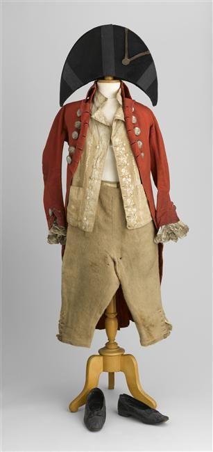 Costume d Incroyable Description : boutons armoriés de la poste de Mr de Clercq