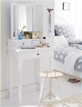 Schminktisch Der kleine Schminktisch ist ein tolles Möbel fürs Schlafzimmer. Er wird fertig montiert in weiß geliefert.