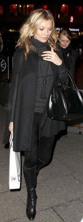 Kate Moss. Purse: Saint Laurent
