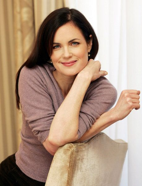 Elizabeth McGovern aka Lady Crawley on Downton Abbey