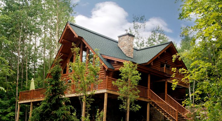 Hidden within nearly 300 acres of forest, the resort offers 60 luxury log homes carefully positioned around a clear, unspoiled lake. These chalets to rent for short or longer stays are ideal for family, group holidays or business retreats . Find yourself in the heart of nature with modern amenities at your disposal within a resort designed to make you forget your everyday stress and simply enjoy