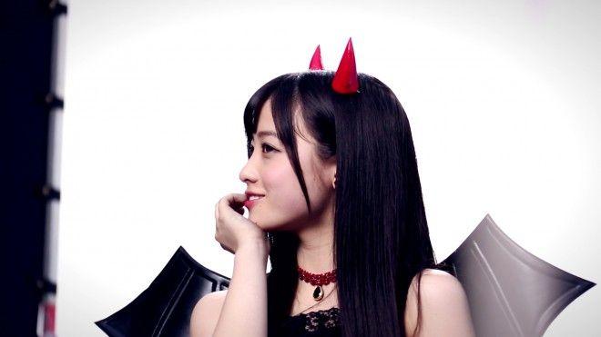 """""""天使すぎる""""橋本環奈が悪魔に?『リップベビークレヨン』新CMメイキング"""
