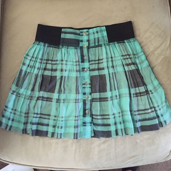Cute Plaid Skirt- Schoolgirl Style Very soft and never worn. Schoolgirl style skirt, but can be worn as preppy, edgy, or casual. American Eagle Outfitters Skirts Mini