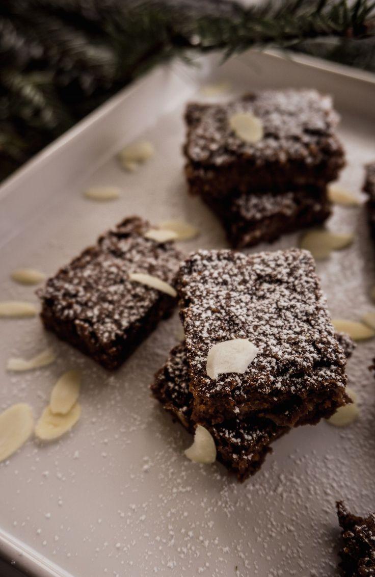 Vegan Xmas Brownies - Blogmas 3 | Zuckerfreie Brownies backen ohne Mehl, Milch, Butter und Ei - vegane Weihnachtstreats