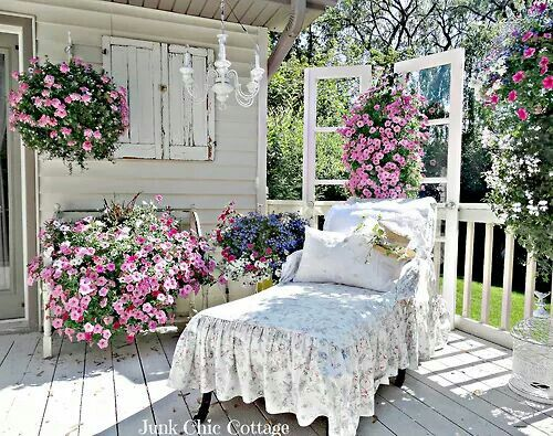 I want to spend the summer right here!