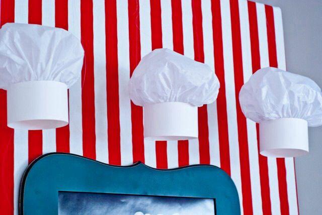 Chapéu chef de cozinha(cartolina e papel seda)