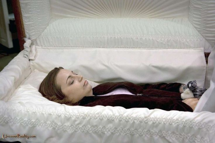 Peacefully Sleeping Forever Women Post Mortem Photos