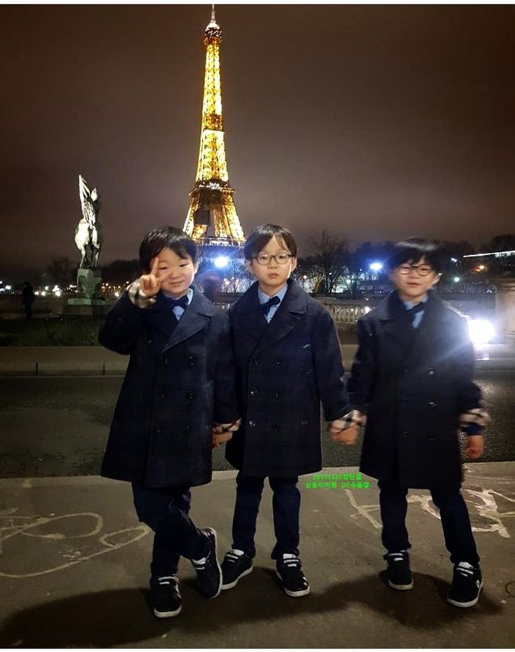 Daehan Minguk Manse have grown to be handsome boys