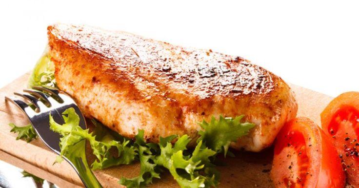 La saison des grillades est officiellement lancée. Poulet, boeuf, porc... la marinade fait souvent la grande différencedans la tendreté et le gout de notre pièce. Je vous présente donc une marinadeavec un équilibre parfait, facileà réaliser. E