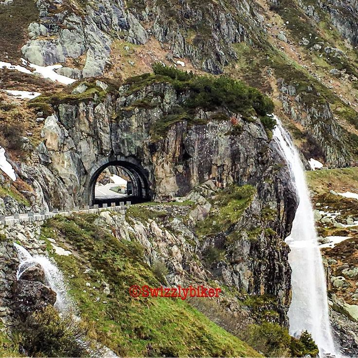 Have you ever been riding through this #waterfulltunnel?  The #Sustenpass links the Reuss Valley at the foot of the Gotthard Mountain with the Hasli Valley in the Bernese Oberland and the village of Wassen in Canton Uri with Innertkirchen in Canton Bern. The Susten Pass road was only opened in 1945 and is the first pass road to be purpose-built for vehicular traffic.  The architecturally #spectacular Susten Road mainly serves #tourism and is therefore one of the last to be cleared of snow…