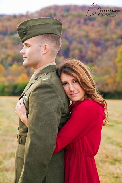 Tons of cute Military Engagement photo ideas! This is adorable!  www.DuBoisFW.com