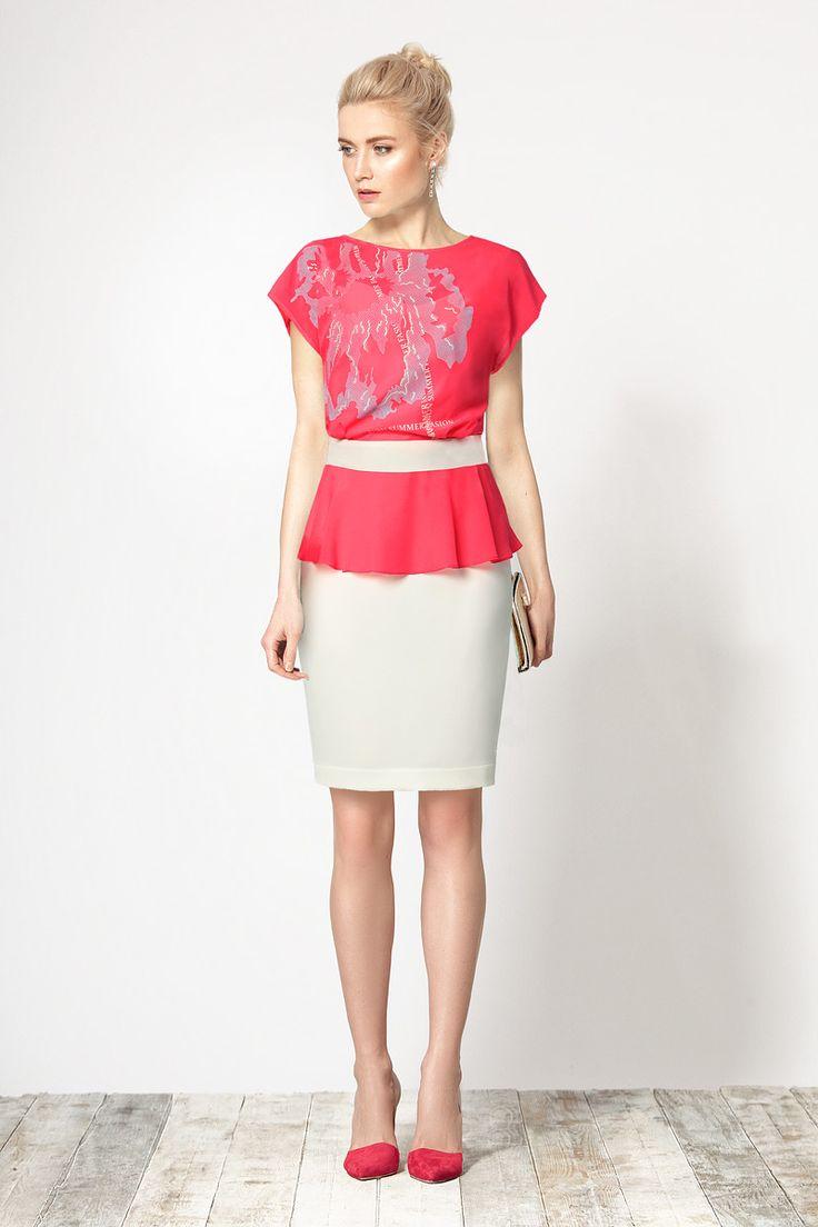 Стильное комбинированное платье, имитирующее прозрачную свободную блузку и юбку.