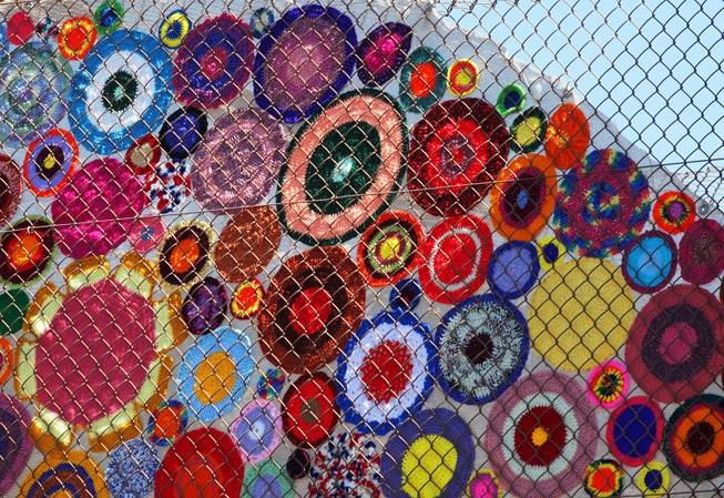 Guerilla Knitting Patterns : Guerilla Knitting - #Yarn Bombing in Las Vegas! #minniemoonstone likes this ...