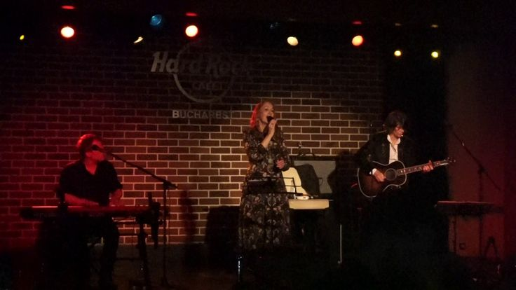 "Joan Osborne ""One Of Us"" live @ Hard Rock Cafe Bucuresti 6.05.2017"