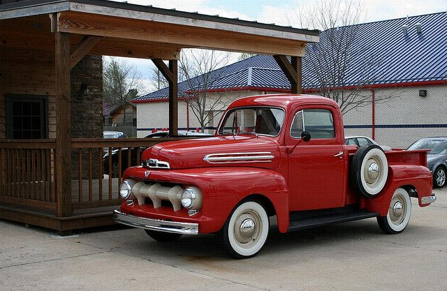 *  51 Ford