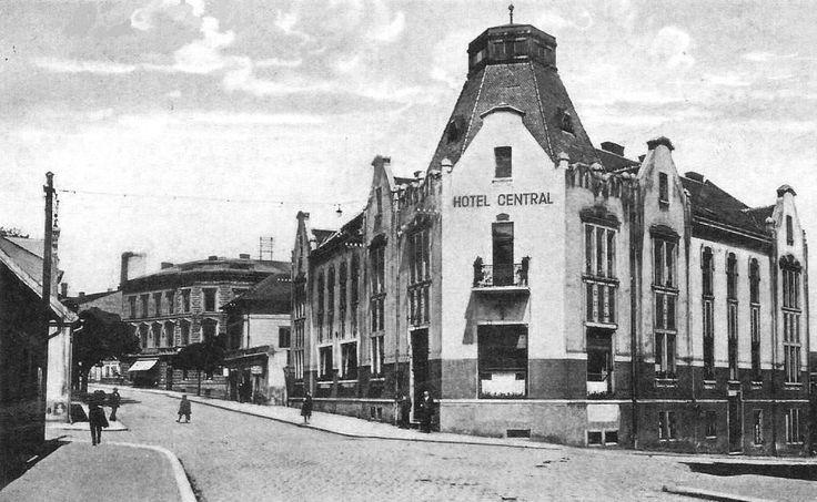 postaveno_r.1914_-_od_r._1925_hotel_Central_foto_z_r.1930_