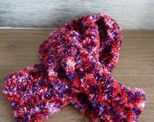 """ÉCHARPE AU TRICOT """" tourbillon de rose au violet """" : Echarpe, foulard, cravate par de-laine-en-aiguilles"""