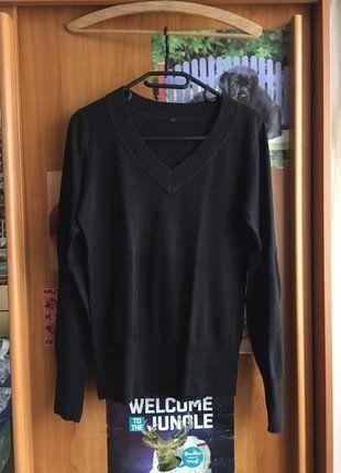 Kupuj mé předměty na #vinted http://www.vinted.cz/damske-obleceni/s-v-vystrihem/15843364-cerny-svetr-s-vystrihem-do-v-zn-hm
