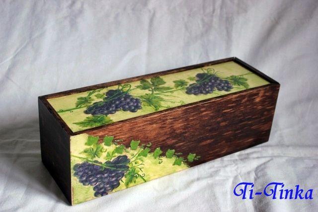 decoupage wine box by Ti-Tinka