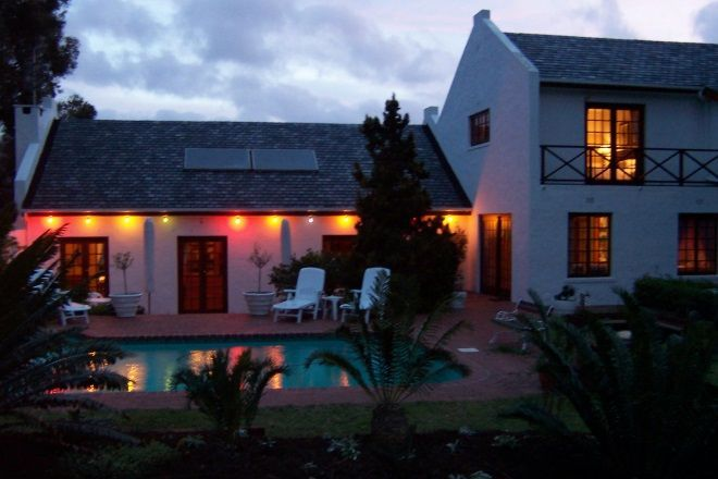 South African summers can be quite hot, if you're not brave enough to hit the surf then you could always float on a lilo in the pool for an afternoon cool down. #accommodationcapetown #selfcatering