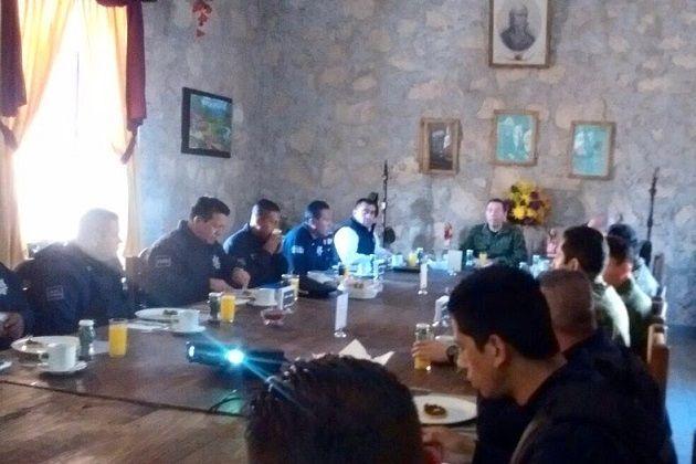 Por instrucción del titular de la SSP, Juan Bernardo Corona, el subsecretario Carlos Gómez Arrieta y coordinadores generales de la institución acordaron la operatividad en conjunto con el Ejército Mexicano ...
