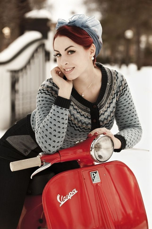 Scooter Girl Vespas 60