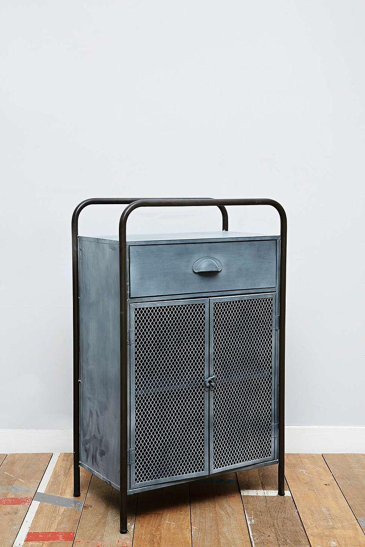 kleiner metallschrank interior pinterest urban outfitters metallschr nke und k chenschr nke. Black Bedroom Furniture Sets. Home Design Ideas