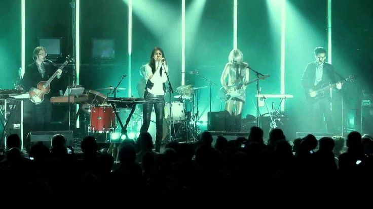 Charlotte Gainsbourg - Trick Pony (Live)