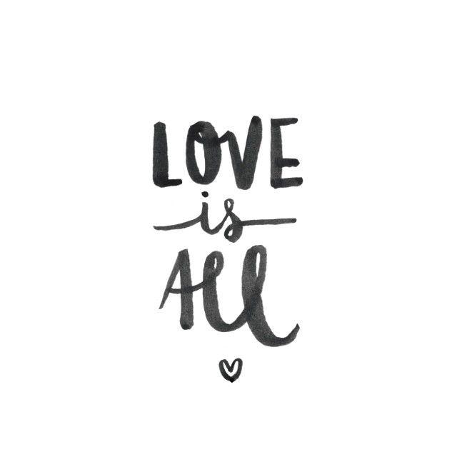 """""""Trabajando en cosas nuevas con forma de letra y hechas con mucho amor... Deseando que llegue el momento enseñarlo! #próximamente #workinprogress #love…"""""""