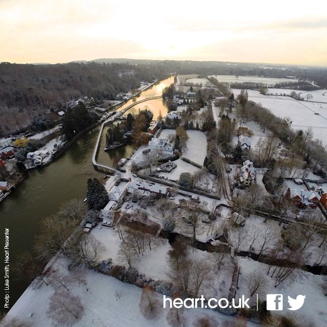 Henley and river in the snow Feb 2015